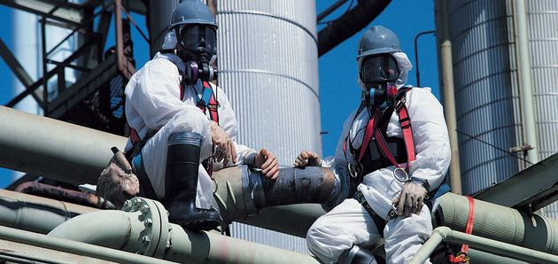 Asbestos removal from chemical refinery